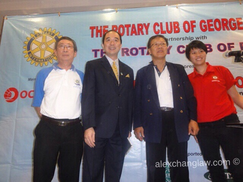 L-R: PP KH Low (RC Pudu), President Alex Chang (RC Pudu), IPP Don Law (RC Georgetown) and Michelle Yong Wai Cheng (Rotactaract Club of Pudu)