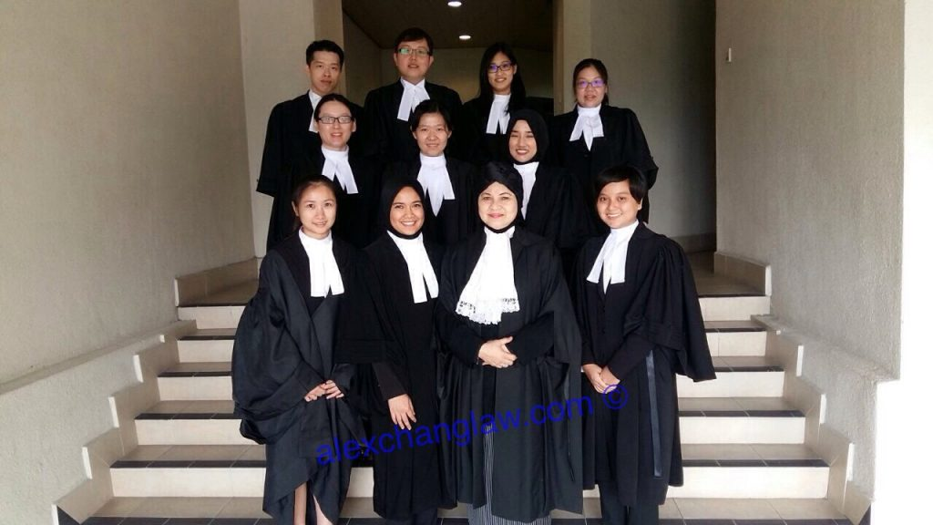 Wong Wai Chee (3rd row, 2nd right) with Herladyship Madam Justice Dato Nik Hasmat Nik binti Nik Mohamad (1st row, 2nd right)